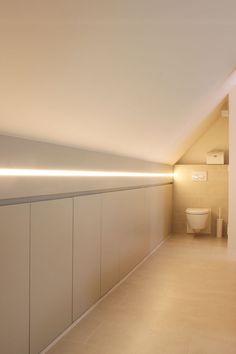 Turn Your Attic into the Bathroom of Your Dreams Today - Attic Basement Ideas Loft Room, Bedroom Loft, Home Bedroom, Small Space Interior Design, Attic Design, Loft Storage, Bedroom Storage, Pool Table Room, Deco Studio