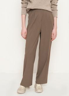"""Pleated Front Pants. Straight, Wide Leg Zip, Hook & Eye Front Closure. No Lining 96% Polyester, 4% Span 28.5"""" Inseam Length, Waist- S/26"""", M/28"""" 14.5"""" Rise, Hip- S/38"""", M/20"""" Dry Clean Imported"""
