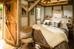 Little Bear, A small getaway in the forest in West Sussex, United Kingdom | pinned by haw-creek.com