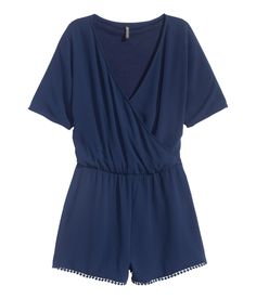 V-neck jumpsuit in airy, woven fabric. | H&M Divided
