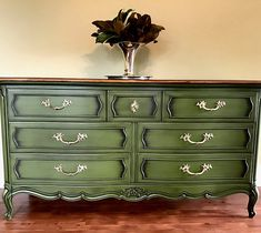 At Chocolate dog restorations we create jaw dropping one of a kind pieces with powder glaze! We also do custom client owned pieces of furniture! Green Painted Furniture, Chalk Paint Furniture, Refurbished Furniture, Colorful Furniture, Repurposed Furniture, Sofa Furniture, Furniture Makeover, Glazing Furniture, Dresser Makeovers