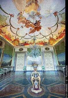 the audience room of the queens and the kings of naples . royal