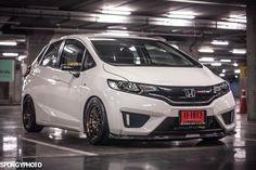 Honda Jazz Modified, Car Bazaar, Subaru Impreza Sti, Honda Fit, Japan Cars, Honda Civic, Custom Cars, Old School, Wheels