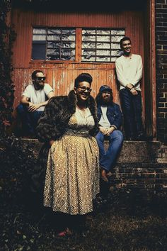 "Alabama Shakes - ""Don't Wanna Fight"" (Live Video)... 
