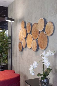 """These acoustic panels are covered in a """"wood slice"""" fabric for max wellbeing. Wooden Wall Art, Rustic Wall Decor, Metal Wall Decor, Wood Art, Fabric Wall Decor, Rustic Wood Walls, Wood Stumps, Diy Home Decor, Room Decor"""