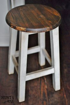 A sad little brown stool gets a happy makeover full of farmhouse patina! This plus a whole slew of Farmhouse DIY projects for your inspiration. Rattan Furniture, Handmade Furniture, Painted Furniture, Diy Furniture, Plywood Furniture, Furniture Plans, Modern Furniture, Furniture Design, Distressed Furniture