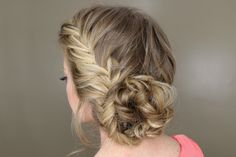 Fishtail French Braid Braided Bun - I really want to try this but my hair is so thin, I don't think it would look right. Box Braids Hairstyles, Pretty Hairstyles, Updo Hairstyle, Teenage Hairstyles, Hairstyles 2018, Hairdos, Braided Prom Hair, Prom Hair Updo, Braided Updo