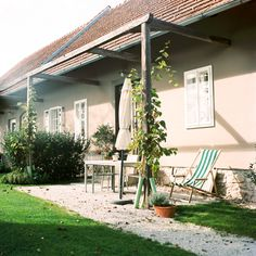 Südsteiermark im Herbst » Karl Bluemel Photography Film Photography, Pergola, Outdoor Structures, White Rooms, Autumn, Homes, Outdoor Pergola, Arbors, Pergolas