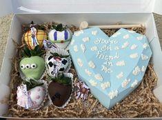 Chocolate Shapes, Heart Shaped Chocolate, Chocolate Hearts, Chocolate Gifts, Chocolate Molds, Cake Sparklers, Strawberry Ideas, Food Business Ideas, Chocolate Covered Treats