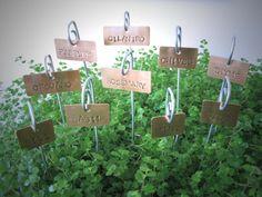 étiquettes cuivre herbe