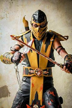 Cosplay Mortal Kombat Japan Expo & Comic Con 2011 by cosplayquest's Mortal Kombat Cosplay, Scorpion Mortal Kombat, Male Cosplay, Best Cosplay, Cool Costumes, Cosplay Costumes, Cosplay Ideas, Comic Character, Game Character
