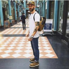 Macho Moda - Blog de Moda Masculina: COMO USAR BOTA MASCULINA com ESTILO no Dia a Dia? Guia de Dicas, Bota Masculina Dicas, Looks Masculinos com Bota Red Wing Shoes, Red Wing Moc Toe, Moc Toe Boots Men, Stylish Men, Men Casual, Street Style Outfits Men, Mens Lace Up Boots, Modern Mens Fashion, Estilo Denim