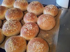 Freshly Baked, Bread Baking, Hamburger, Food, Hem, Tips, Baking, Essen, Burgers