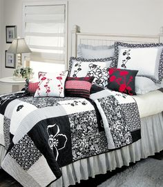 Brenna Black & White Quilt by C | Brenna Quilts, Comforters, Duvets, Draperies and Pillows | PaulsHomeFashions.com