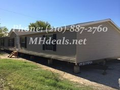 http://mhdeals.net/gallery/used-double-wide-mobile-homes/San-Antonio-TX-78227-2012CLS42 (210)-887-2760 $59,900 A beautiful 4 bed 2 bath Used Double Wide mobile home fin excellent condition and low cost. Sits at a huge 2,016 square feet (28 x 72). The home is perfect for both first time home buyers or experienced buyers. The interior comes with...Call us at (210)-887-2760
