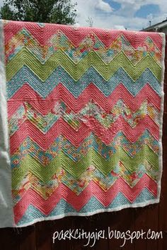 Zig-Zag Quilt Along Links: Excellent tutorial that tells you how much fabric you need to make anything from a baby to queen size quilt.
