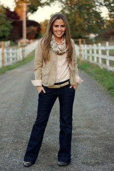 This is such a smart outfit for Fall! :)