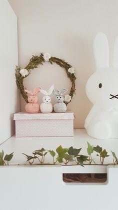 Manualidad para hacer conejos de pascua fácil y sin comprar nada.