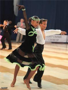 Картинка Girls Dance Dresses, Latin Ballroom Dresses, Ballroom Dancing, Dance Outfits, Latin Dresses, Little Girl Dancing, Dance Accessories, Junior Dresses, Dance Costumes