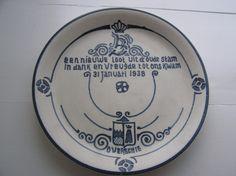 Rotterdamse Aardewerk Fabriek - gedenkbord geboorte Beatrix 1938