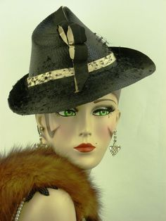 VINTAGE HAT 1940s FRENCH, BEUTIFUL LADIES TILT HAT IN FINE BLACK STRAW w CREAM #TiltHat #VintageFestivalEverydayEleganceRaces