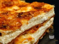 Placinta cu branza sarata - I Cook Different Recipes Appetizers And Snacks, Easy Desserts, Dessert Recipes, Romanian Desserts, Romanian Food, Portokalopita Recipe, Puff And Pie, Fire Cooking, Food Obsession
