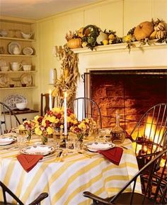 simple, yet beautiful Thanksgiving table