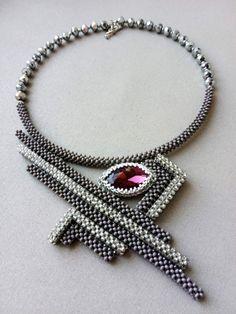 Bead Jewellery, Beaded Jewelry, Beaded Necklace, Beaded Bracelets, Necklaces, Right Angle Weave, Bead Crochet, Beading Tutorials, Weaving