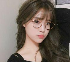 >`ulzzang girl cute`< [bahcott:v] Last post😚 Pretty Korean Girls, Cute Korean Girl, Pretty Asian, Cute Asian Girls, Cute Girls, Korean Girl Image, Korean Beauty, Asian Beauty, Ulzzang Girl Fashion