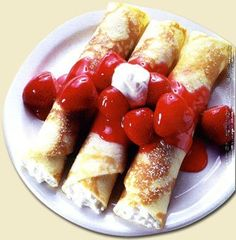 link for polish blintzes recipe - finally! an excuse to pull out the crepe maker! Yummy Treats, Yummy Food, Sweet Treats, Israeli Food, Israeli Recipes, Breakfast Recipes, Dessert Recipes, Crepe Maker, Kosher Recipes