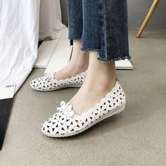 Casual Butterfly Knot Hollow Out flats shoes – Benovafashion Suede Shoes, Flat Shoes, Loafer Flats, Loafers, Flats Boat, Pointed Toe Flats, Womens Flats, Ballet Flats, Casual Shoes