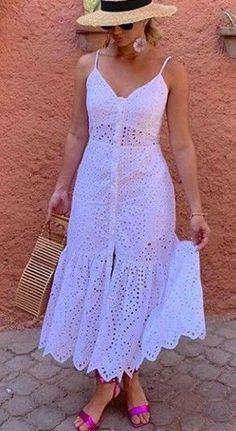 fashion dresses 50 looks na cor branca para voc se inspirar - - Source by jpdesouza Funky Dresses, Lovely Dresses, Simple Dresses, Elegant Dresses, Sexy Dresses, Vintage Dresses, Dress Outfits, Casual Dresses, Short Dresses