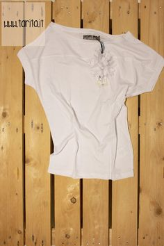 Tarita S/S 2013. Mash QUeen, 100% cotton t-shirt with flower pin.