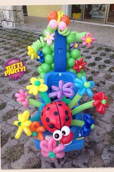 Kids car for a Spring Parade, carrito decorado para desfile de primavera! Spring car Balloons flowers