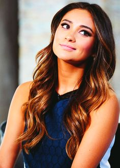 shay mitchell Simply Beautiful, Beautiful People, Celebrities Exposed, Brunette Actresses, Shay Mitchell, Hot Brunette, New Hair Colors, About Hair, Great Hair