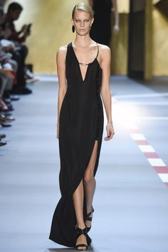 Mugler Spring 2016 Ready-to-Wear Fashion Show - Lexi Boling