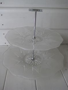 STUNNING VINTAGE GLASS & CHROME TWO TIER CAKE STAND