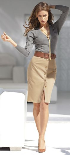 These 33 fashionable work and interview outfits for women is sure to give you a lot of ideas on how to dress to work professionally and stylishly.