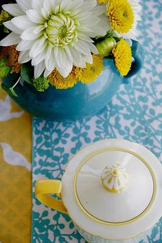 Turquoise,white and yellow.  Hard to beat.  (From missdaisybuchanan.tumblr.com via iwantiwantiwant)