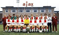 Ajax Amsterdam team group in Retro Football, Football Kits, Sport Football, Football Cards, Football Players, Soccer Teams, Afc Ajax, Football Images, Association Football