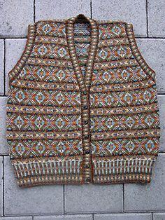 Ravelry: Allover Vest pattern by Alice Starmore Wool Vest, Knit Vest, Fair Isle Knitting, Hand Knitting, Knitting Ideas, Crochet Buttons, Knit Crochet, Vest Pattern, Ravelry