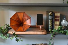 Leather Gramophone Horn, Passive Smart Phone Amplifier : 9 Steps (with Pictures) - Instructables Easy Dollar Bill Origami, Traditional Anniversary Gifts, Kindergarten, Brick Stitch Earrings, Bead Earrings, Gifts For My Wife, Origami Heart, Plastic Sheets, Jewelry Making Tutorials