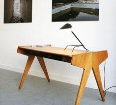 Lampe de bureau Tripode serge mouille editions serge mouille tripod noir luminaire lighting design signed