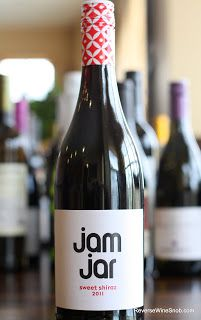 Jam Jar Sweet Shiraz 2011 - Lives Up To Its Name. A nice pick for white wine drinkers looking to explore red wine and a good option for Valentine's Day! $8  http://www.reversewinesnob.com/2013/02/jam-jar-sweet-shiraz-2011.html