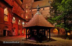 www.hotelewam.pl Malbork Castle, Gazebo, Outdoor Structures, Cabin, House Styles, Home Decor, Castles, Kiosk, Decoration Home