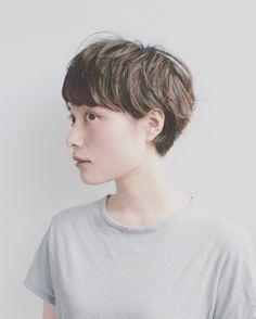 スタイリスト:Hiramoto Yuuichiroのヘアスタイル「STYLE No.17900」。スタイリスト:Hiramoto Yuuichiroが手がけたヘアスタイル・髪型を掲載しています。