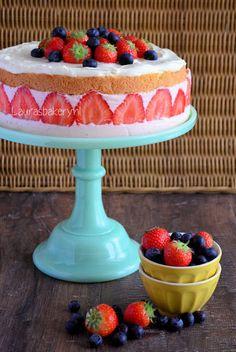 Laura's Bakery: Strawberry cheesecake with mascarpone cream