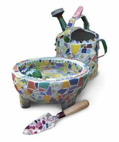 Making Mosaic Garden Art - Fine Gardening Article