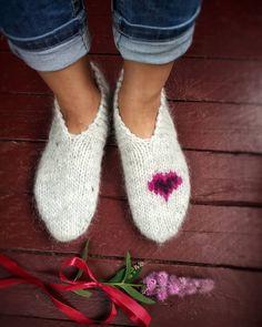 Items similar to Woolen mini socks on Etsy Icelandic Sweaters, Hand Knitting, Slippers, Socks, Trending Outfits, Unique Jewelry, Mini, Needlework, Handmade