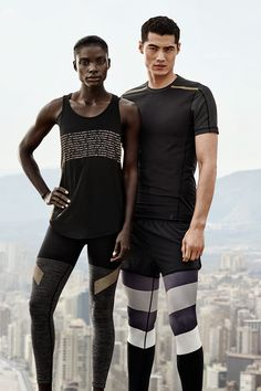 Stylish and high-functioning tights, workout shorts and running tees – discover our sportswear collection developed in collaboration with professional athletes. Sport Style, Latest Fashion For Women, Latest Fashion Trends, Sport Fashion, Fashion Outfits, Fashion Fashion, Running Tights, Running Clothing, Fitness Photos